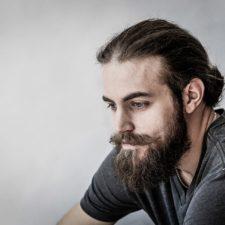 Homme avec les cheveux coupés - Salon la Ruelle (salon de coiffure à Chambly)